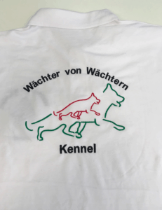 Kutyakennel hímzett póló